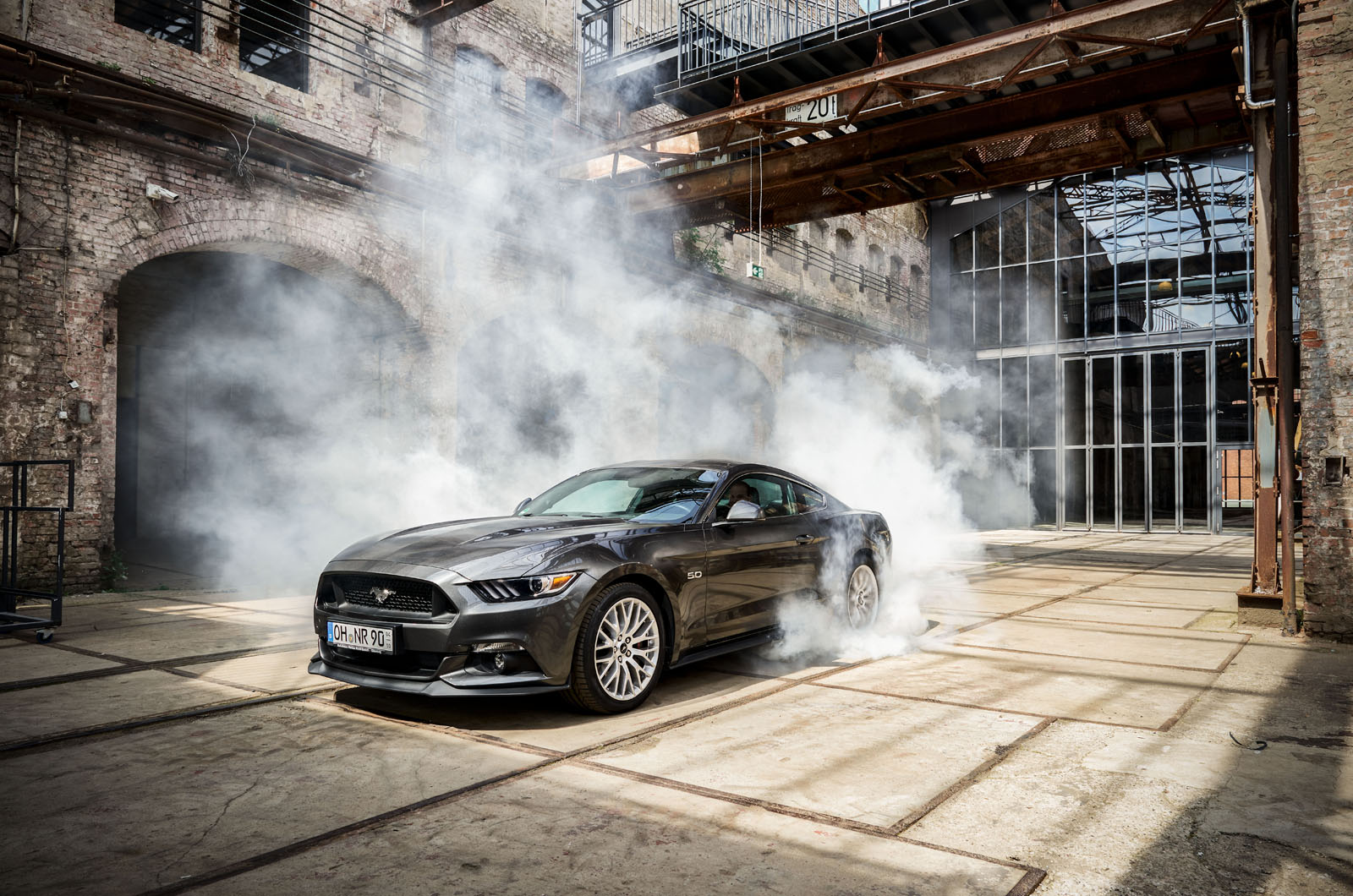 Ford Mustang GT Industrie Halle